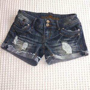 Almost Famous size 1 distressed ripped booty short